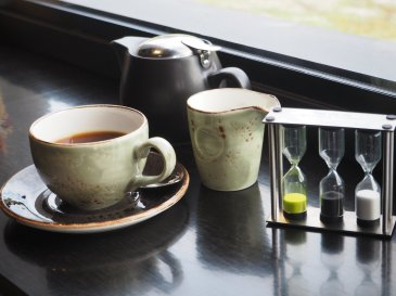 At The Farm Shed we take the tea we serve as seriously as the wines we offer, and choose to serve Larsen & Thompson teas